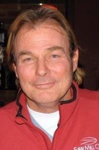 A portrait photo of Steve Owens